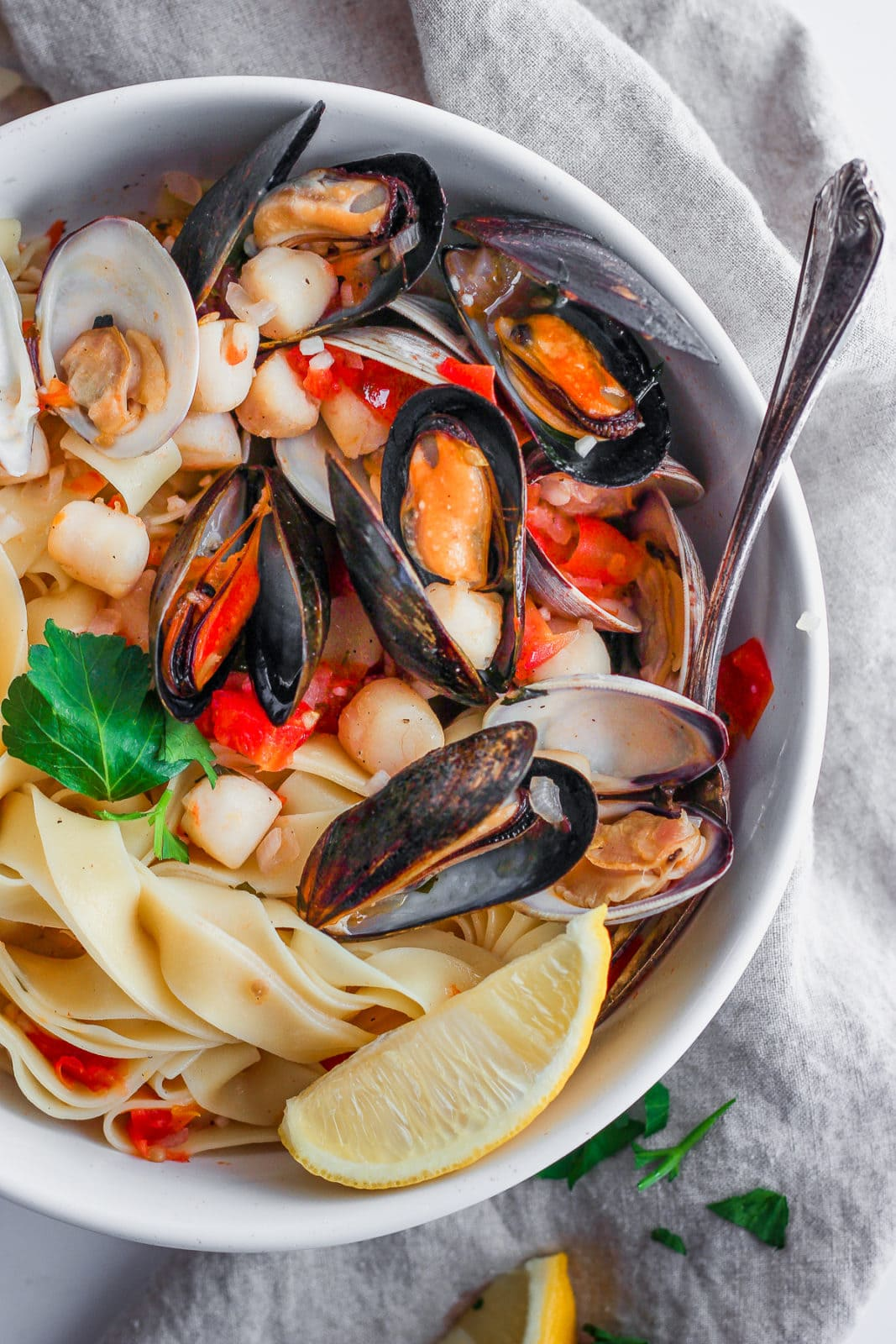 fettuccine with clams mussels and bay scallops4  the