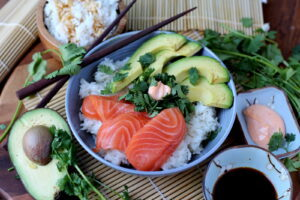 Spicy Salmon Sushi Bowl - thewoodenskillet.com