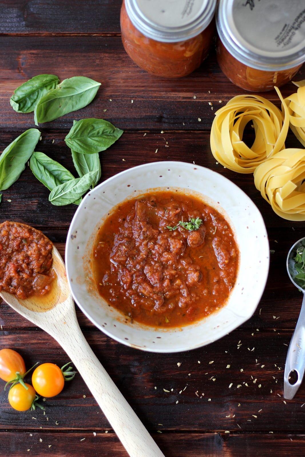 Homemade Marinara Sauce - thewoodenskillet.com #spaghettisauce #homemade #pastsa