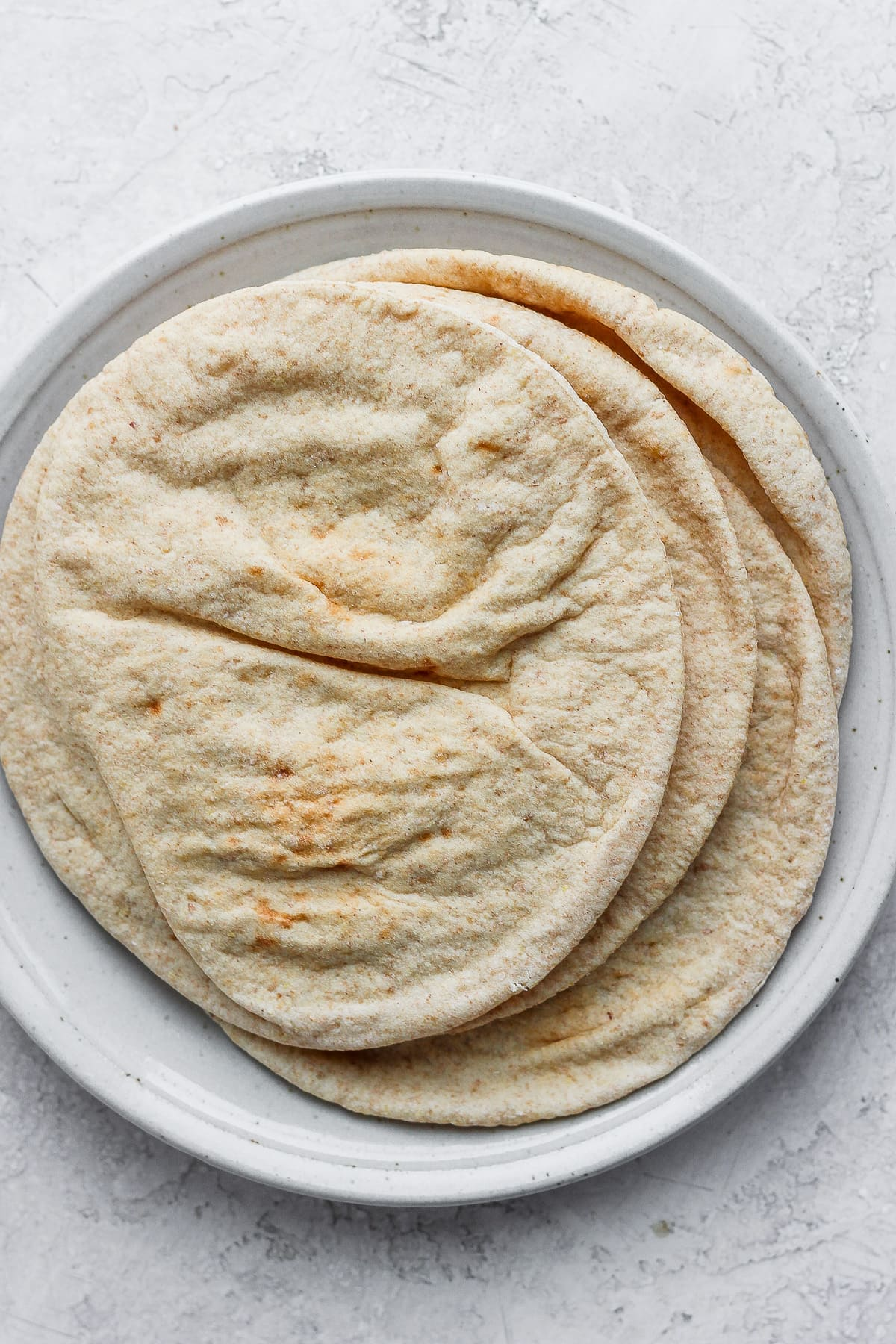 A plate of pita bread.