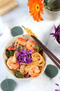 Sweet Curried Rice Noodles +Shrimp and Roasted Vegetables - amazing recipe for Bankok Curry. thewoodenskillet.com #foodphotograhy #foodstyling