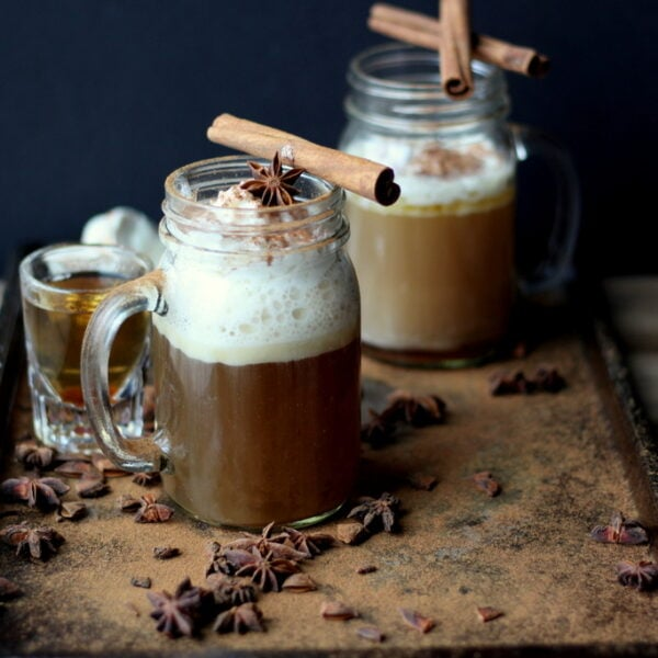 Cozy Hot Buttered Rum - awesome holiday drink! thewoodenskillet.com