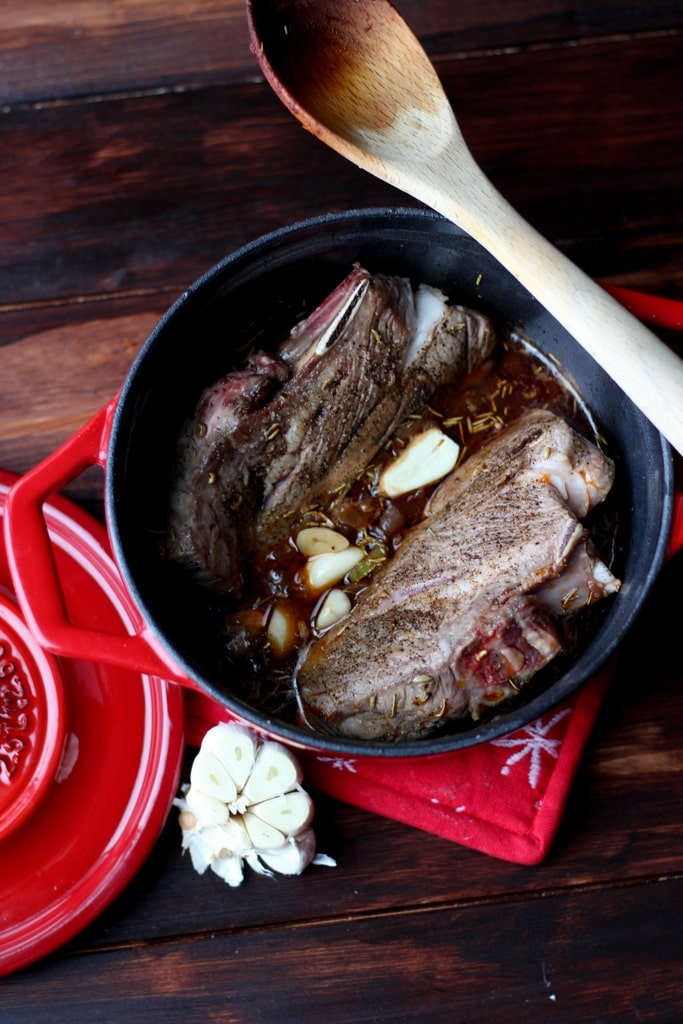 Braised Lamb Shoulder - thewoodenskillet.com