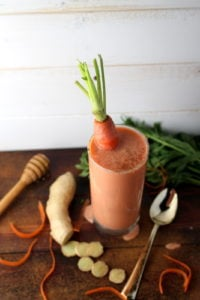 Clean Carrot, Ginger, Cinnamon + Vanilla Smoothie - thewoodenskillet.com