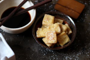 How to Cook and Prepare Tofu so it tastes good! thewoodenskillet.com