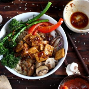 Brown Rice Bowl + Roasted Vegetables and Soy Ginger Tofu - thewoodensikillet.com