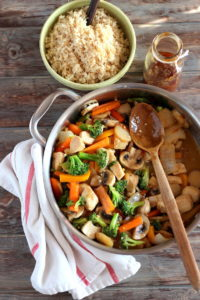 Chicken Teriyaki Stir-Fry - an easy weeknight meal! thewoodenskillet.com