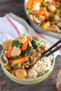 Chicken Teriyaki Stir-Fry - an easy weeknight meal! thewoodenskillet.com