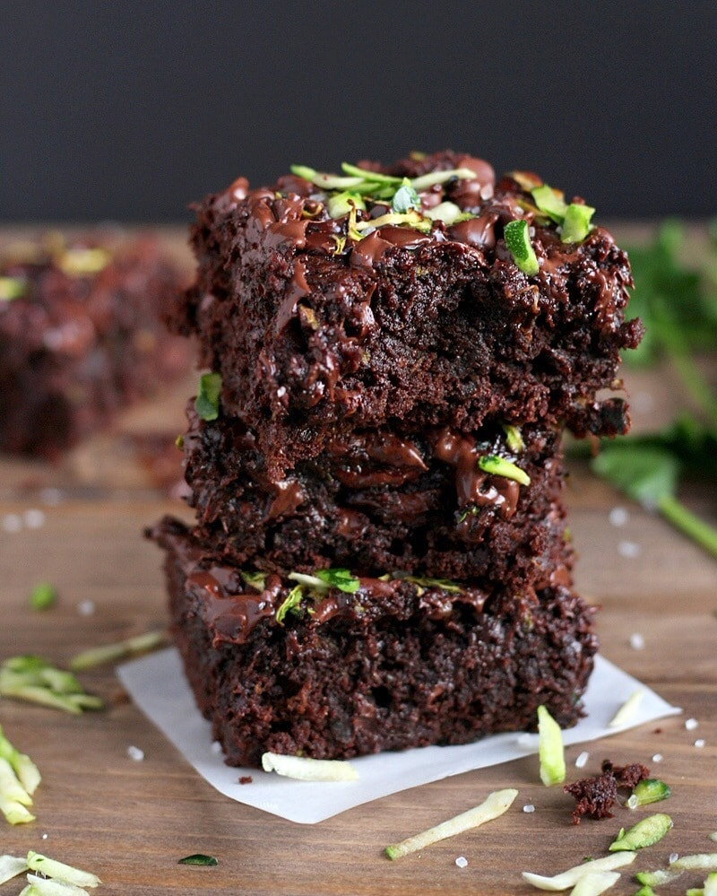 Healthy Double Chocolate Zucchini Brownies - thewoodensillet.com