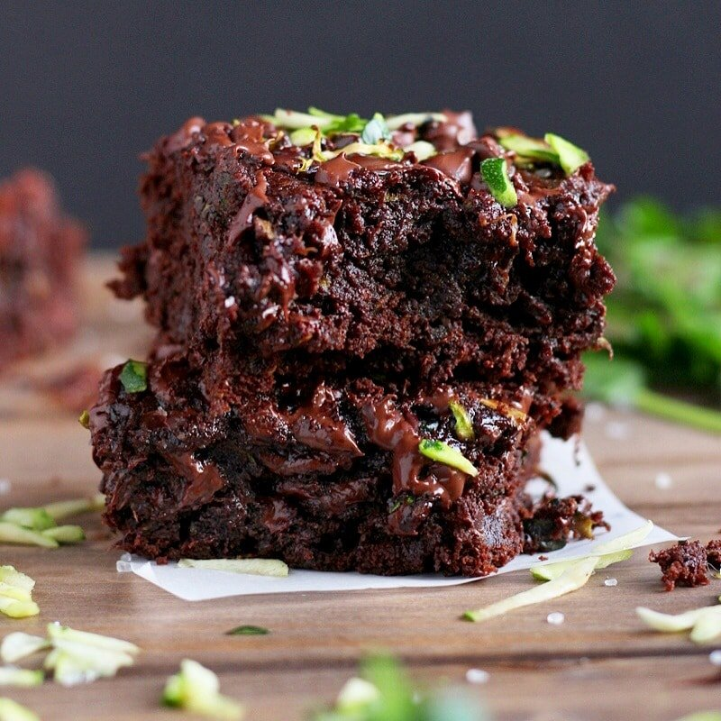 Healthy Double-Chocolate Zucchini Brownies - thewoodenskillet.com