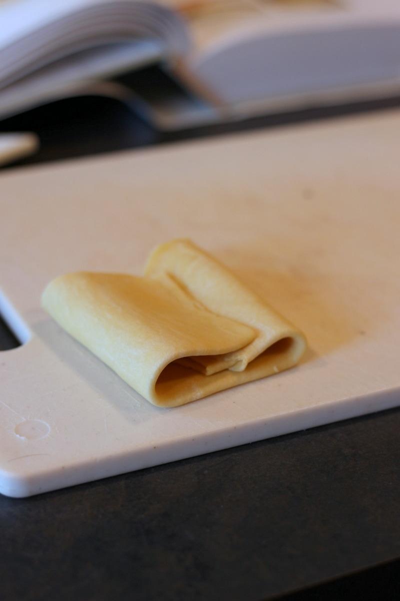 How to make homemade egg pasta - easy recipe for fresh pasta - thewoodenskillet.com #homemade