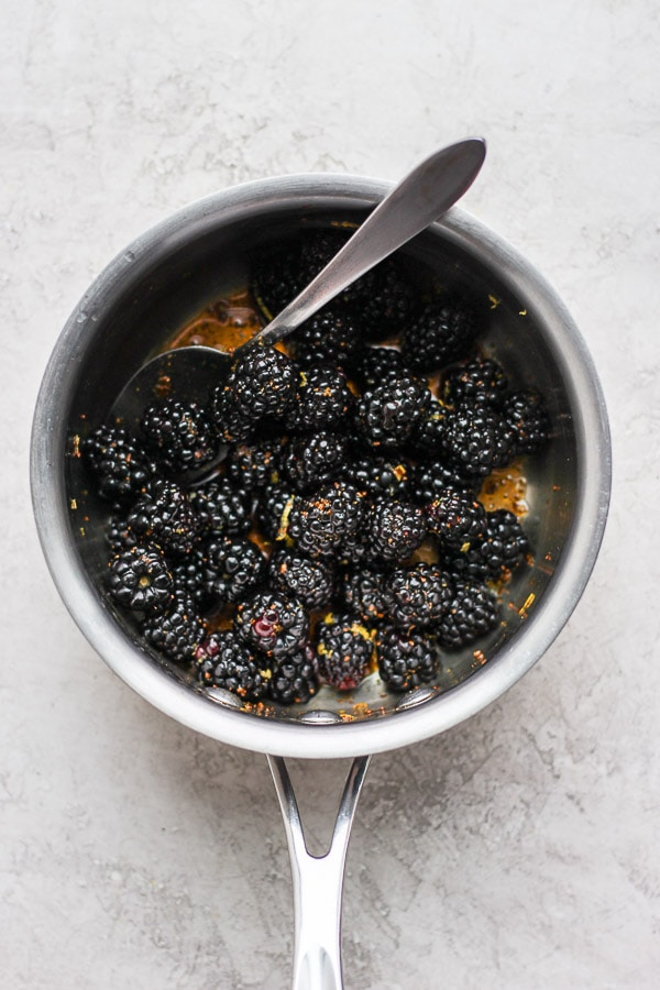 """Easy Blackberry Compote - the perfect breakfast recipe for a crowd or just for two. Never buy yogurt """"with fruit on the bottom"""" again! #blackberrycompote #homemadeblackberrycompote #yogurtbar #paleocompote #healthybreakfastideas"""