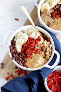 Oatmeal Superfood Breakfast Bowl - a quick and easy breakfast recipe that will keep you full all morning long! thewoodenskillet.com #foodphotography