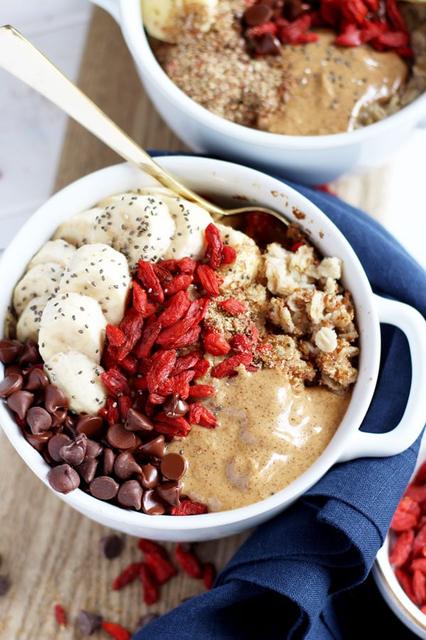 Oatmeal Superfood Breakfast Bowl