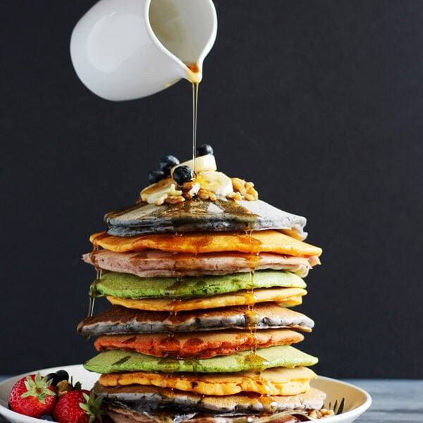 Naturally Colored Pancakes - a healthy and delicious way to naturally color your Saturday morning pancakes! thewoodenskillet.com