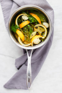 How to Make a Citrus Herb Brine - step by step instructions to make the best brine ever! Perfect for Thanksgiving!