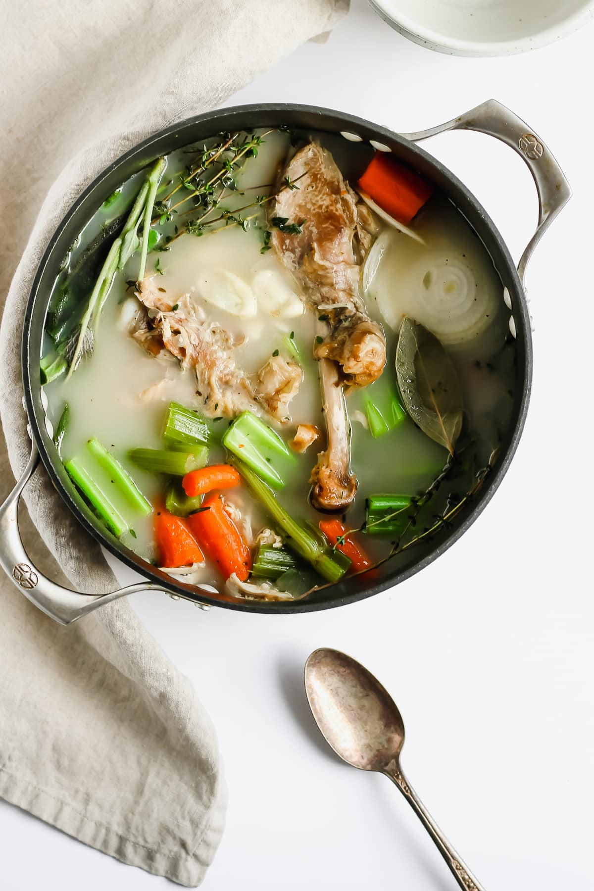 How to Make the Best Homemade Turkey Broth