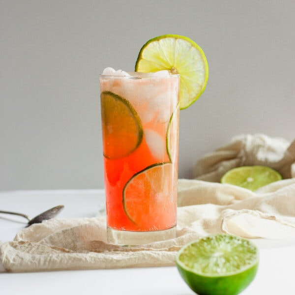 Refreshing Guava Lime Kombucha Mocktail - the light and delicious mocktail, perfect for any time of the year! #whole30 #mocktail