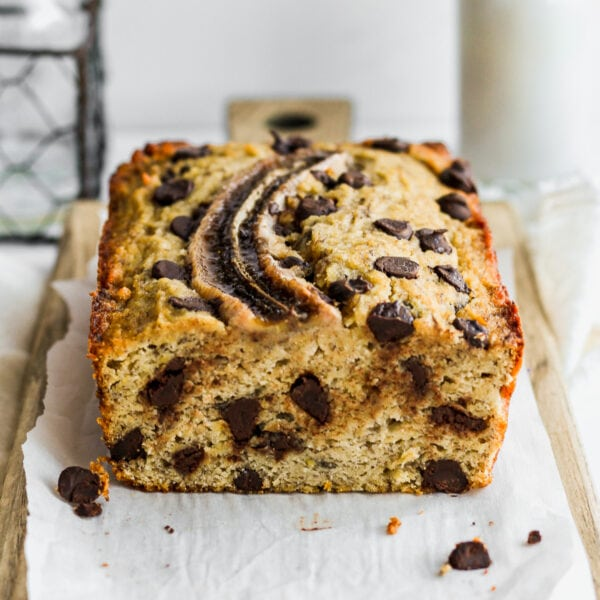 Easy Paleo Chocolate Chip Banana Bread - a quick and easy recipe that will become a weekend favorite! #paleo