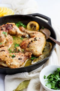 Whole30 Braised Garlic Lemon Chicken - a flavorful and delicious Whole30 weeknight meal!! #whole30 #paleo