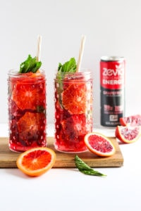 Refreshing Blood Orange and Mint Spritzers - a delicious and refreshing spring drink! #spritzer