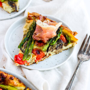 Creamy Prosciutto and Asparagus Frittata - a delicious and savory breakfast! #whole30