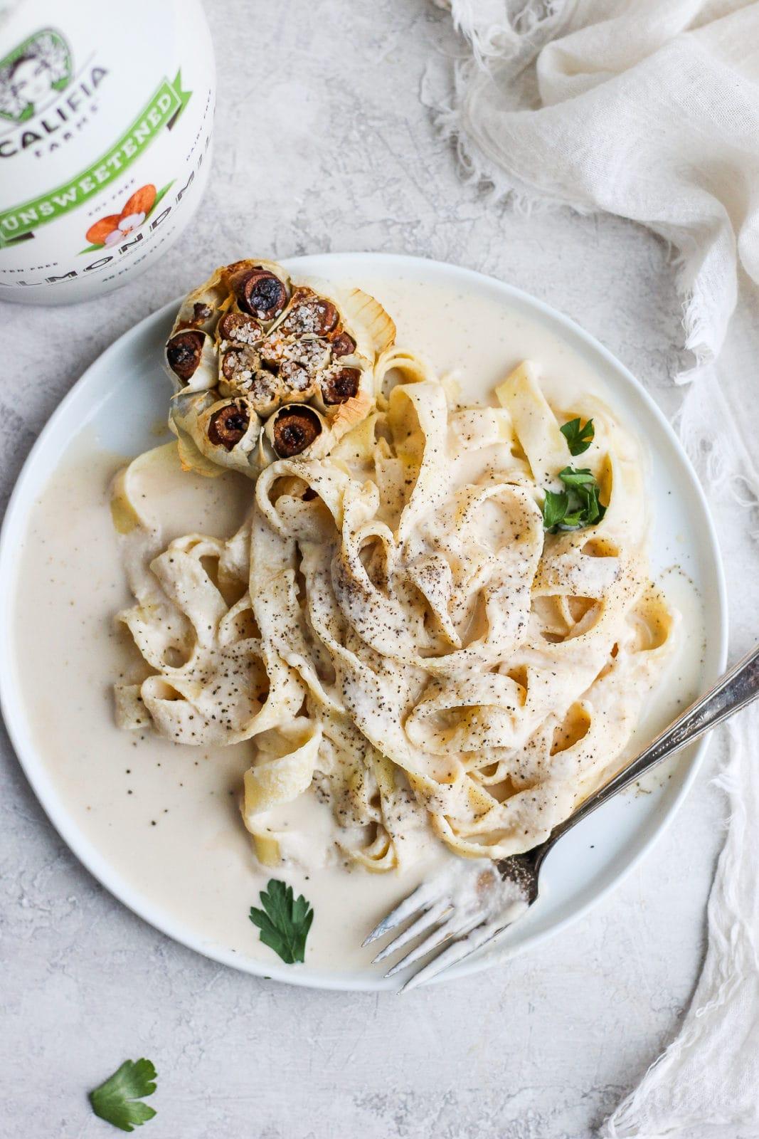 Vegan Roasted Garlic Alfredo Sauce