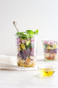 Work Lunch Greek Chicken Salad - an easy on-the-go lunch that is healthy, delicious and filling! #whole30 #whole30recipes #worklunch #onthegolunches #paleorecipes #worklunches