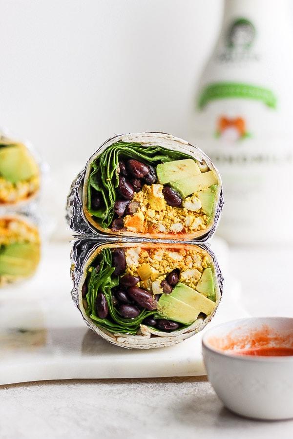 Easy Vegan Breakfast Burrito - a simple and easy plant-based breakfast burrito you are going to LOVE! Meal-prep friendly! #veganbreakfastburrito #veganbreakfastburritohealthy #veganbreakfastburritoeasy #veganbreakfastburritotofuscramble