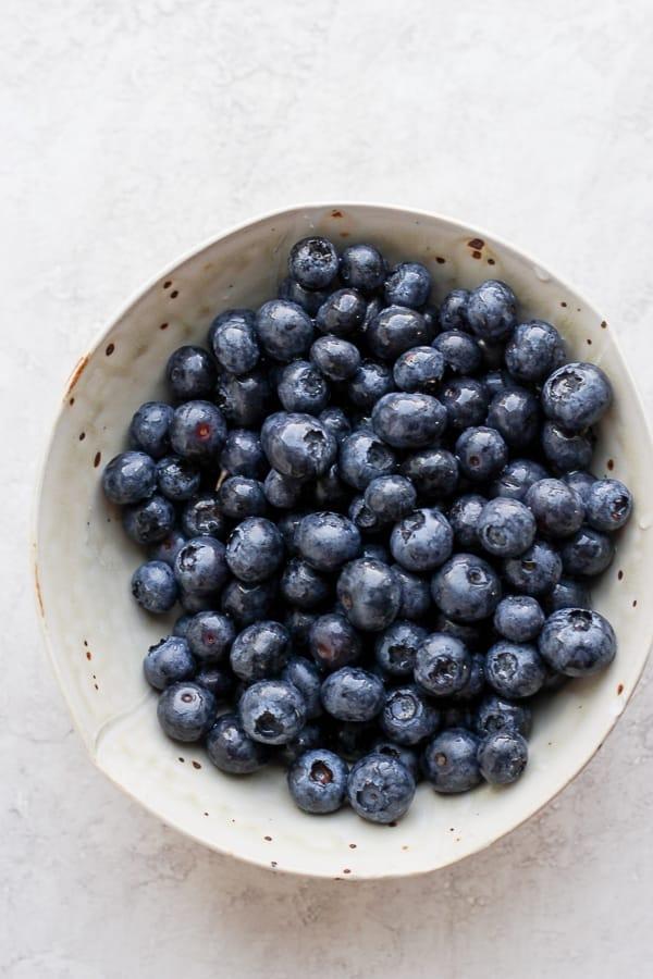 Bowl of fresh blueberries.