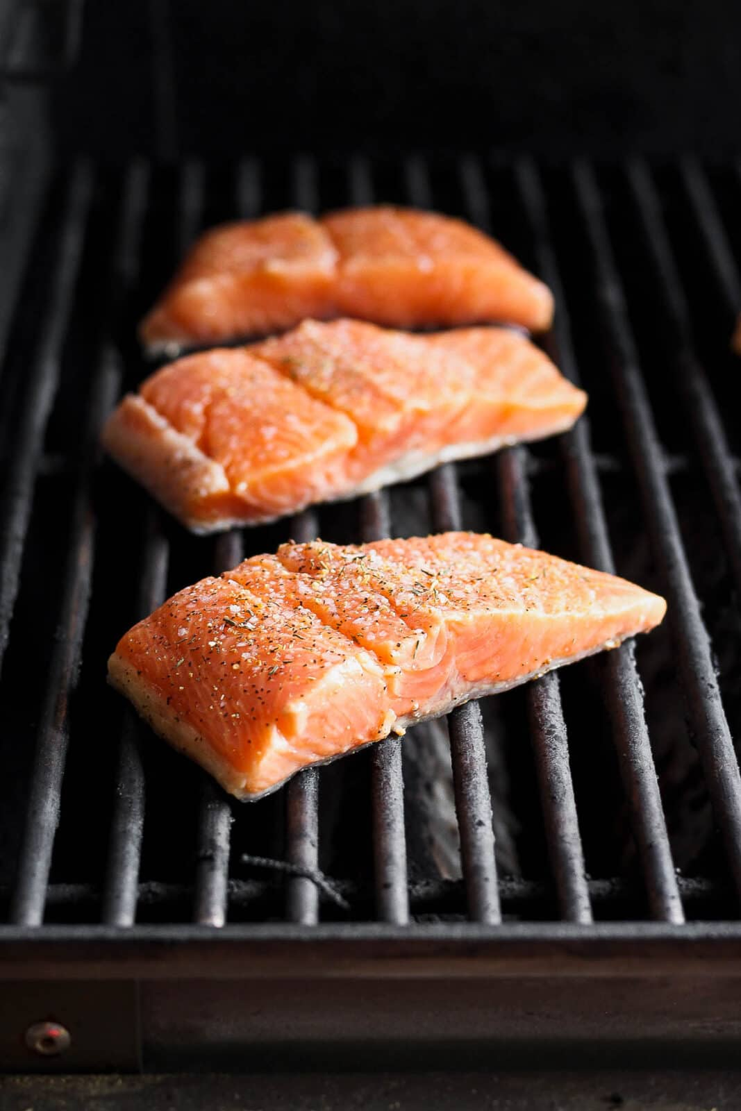 Salmon fillets on the grill.