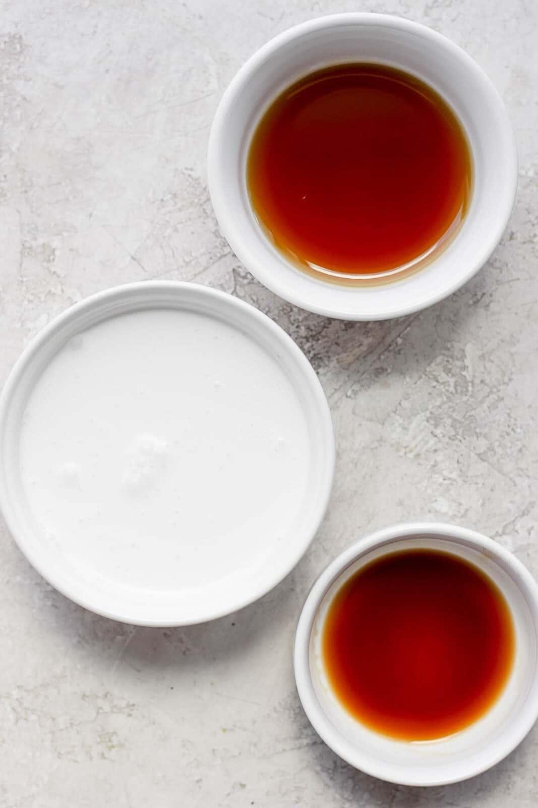 Vanilla sweet cream ingredients in bowls.